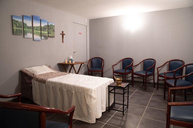 chambre funeraire chaise